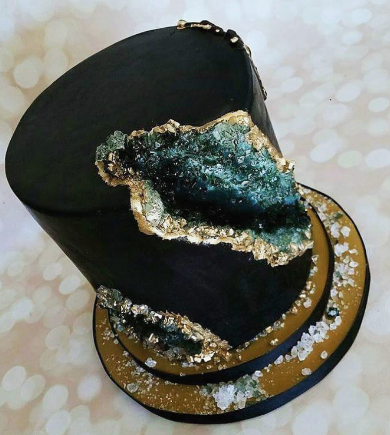 Black and Gold Geode Cake