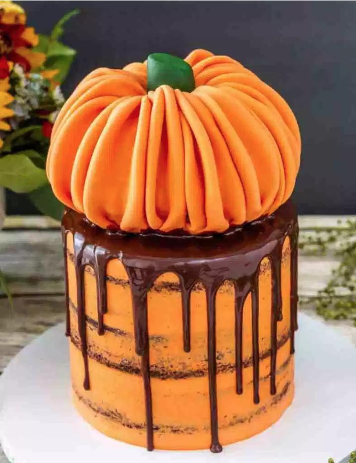 Pumpkin Halloween Drip Cake