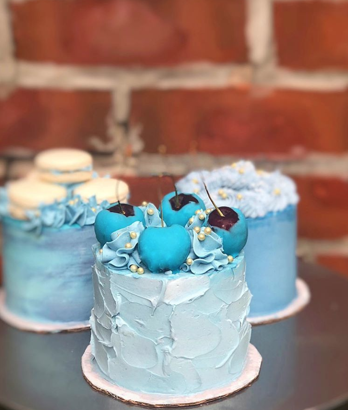 Blue Mini Trio Cakes