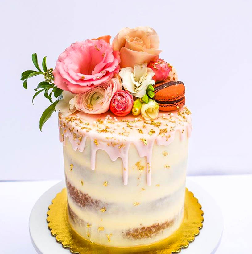 Wondrous 12 Charming Semi Naked Cakes Find Your Cake Inspiration Funny Birthday Cards Online Aeocydamsfinfo