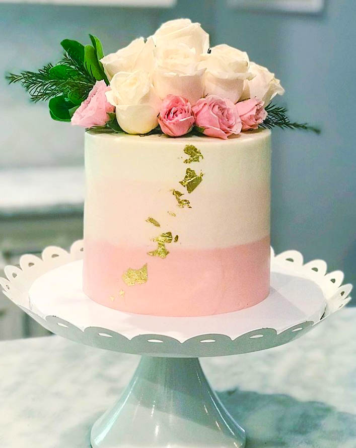 Pretty Roses Birthday Cake