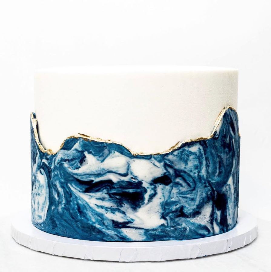 Marbled Ocean Waves | www.findyourcakeinspiration.com