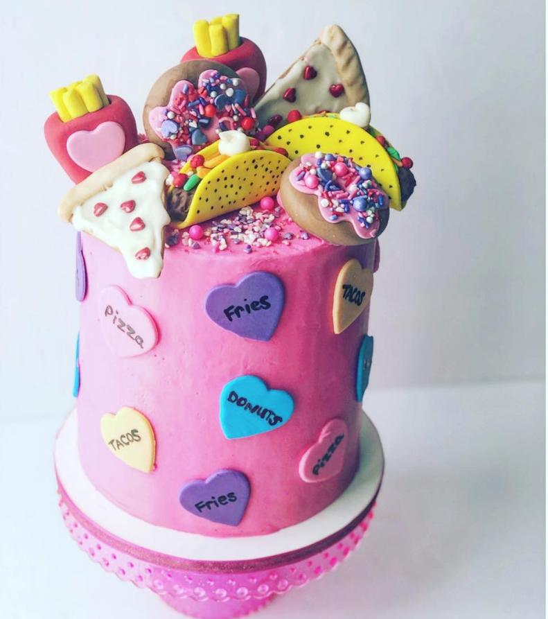 Foodie Cake by @joscakes_ | www.findyourcakeinspiration.com
