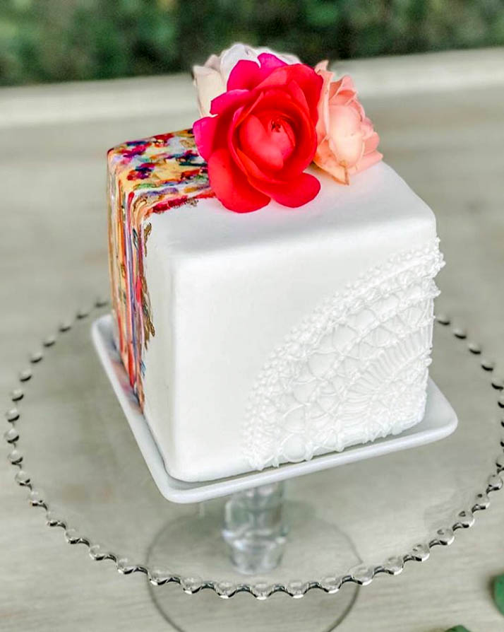 Flower Square Birthday Cake by @xokatierosario | www.findyourcakeinspiration.com