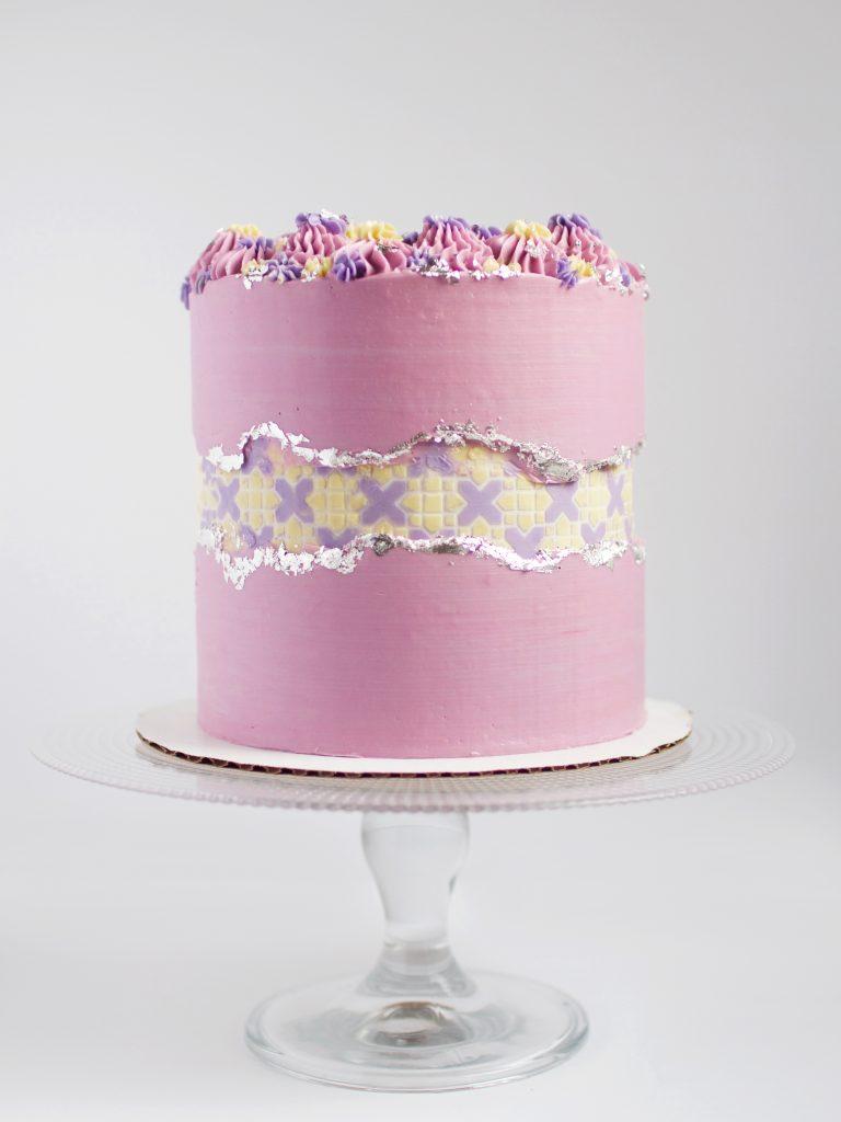 Pretty Faultline Cake
