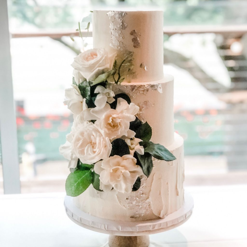 Modern & Minimalist Wedding Cake