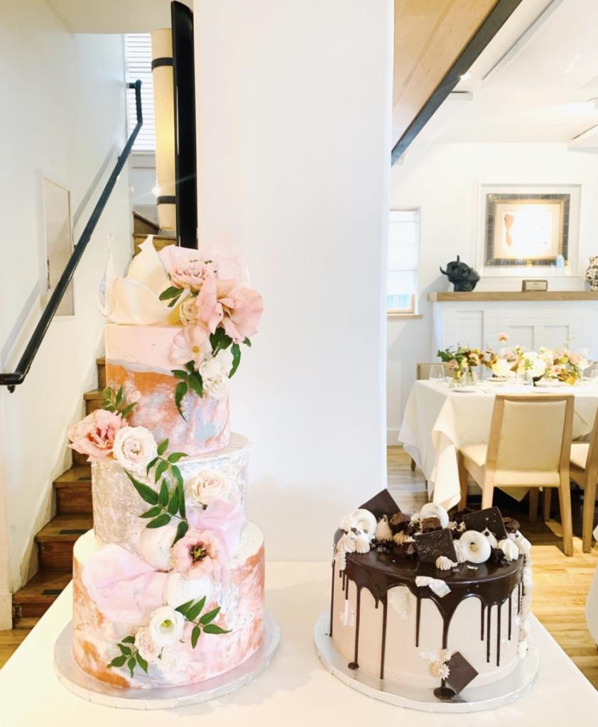 Stunning Wedding Cake & Groom Cake