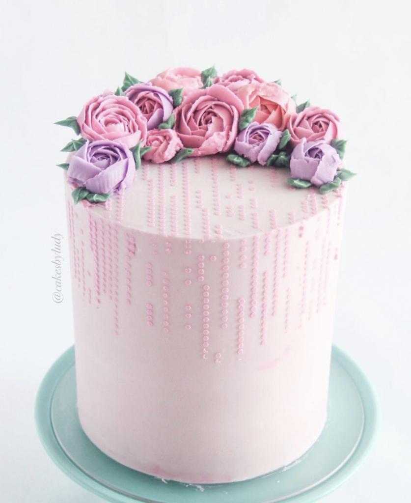 Buttercream Flowers & Stencil Cake