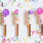 How to Make Spring Blooms Cakesicles