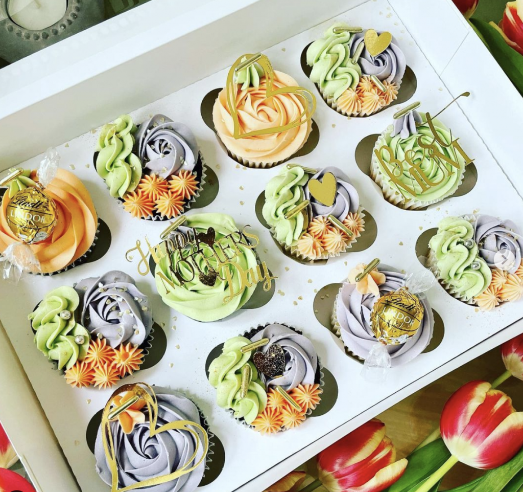 Lovely Mother's Day Cupcakes