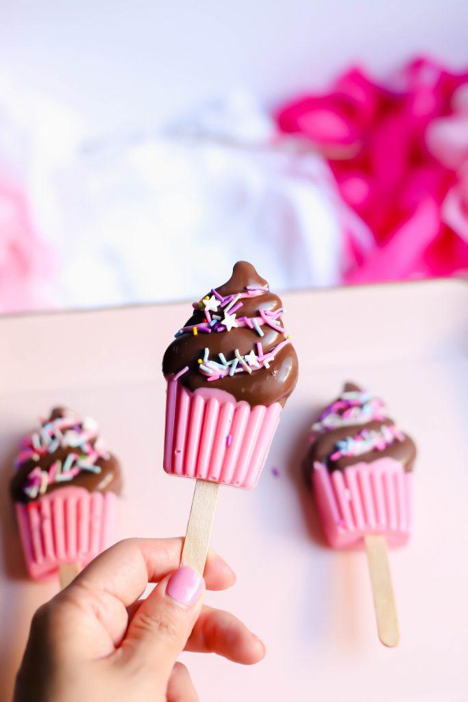 Single cupcake cakesicles with sprinkles