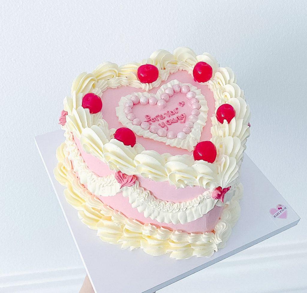 Cute Vintage Cake