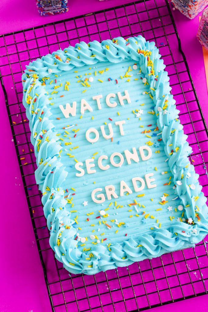 letterboard cake