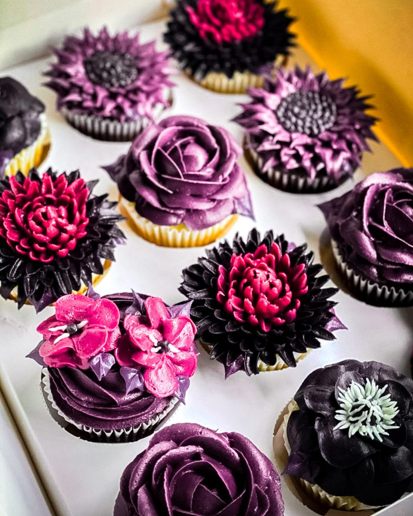 Spooky Glam Cupcakes