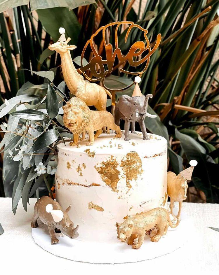 Semi-Naked Safari Cake